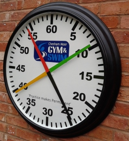 4 Handed Pace Training Clock Round Cased Swimming